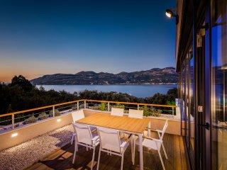 Luxury Villa Selene with Pool
