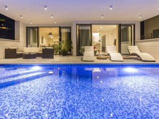 Villa Arinna with Swimming Pool