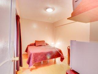 Acogedora habitación de hotel con wifi gratis-Cozy hotel room with free wifi