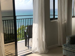 GORGEOUS Views, GREAT Location, Apt 5: Modern 2-bed, 2-bath Villa