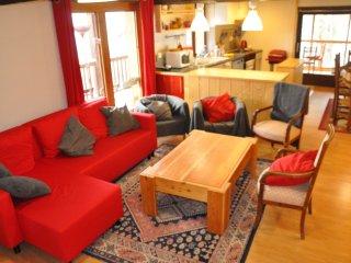 Appartement 8-9 personnes dans un maison de pays avec terrain et veranda