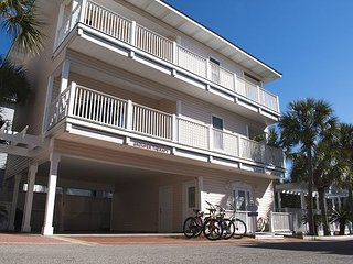 4BR Home South of 30A!  Views of the Gulf, Sleeps 16!!!  Free WIFI
