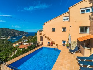 Villa with fabulous sea views ideal choice for large family groups