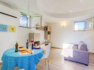 Cozy Bright Apartment in Ischia