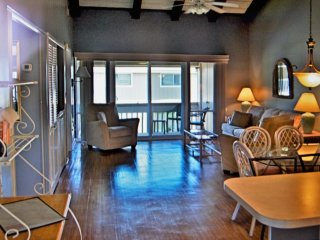 Tranquility by the gulf   2 bedroom 2 bath condo, 5 minute walk to the beach!