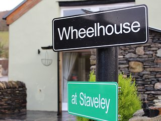 The Wheelhouse at Staveley - Character Holiday Home in Staveley with Sauna