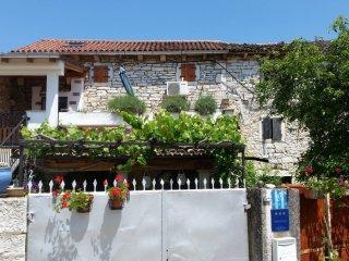 Steinhaus Tomani in Krmed/Bale
