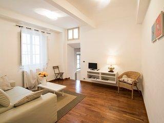 SeaNCity Casa Nella Musica - Luminoso appartamento con parquet in centro Lucca