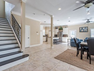 WOW! 5-STAR ALAMO HEIGHTS LUXURY HOME