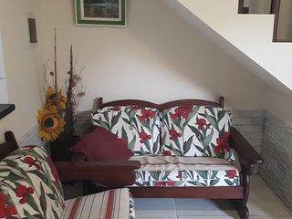 Casa em Cabo Frio, 2km da praia, para ate 8 pessoas