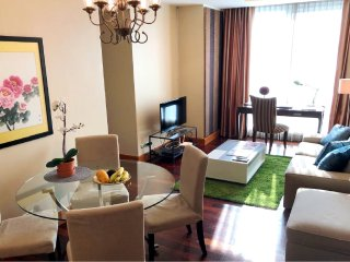 2400 Serviced 2 Bed SCENIC SKY VILLA with POOL, GYM, BTS