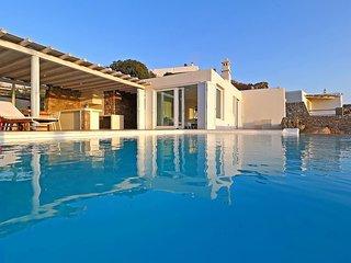 Villa Lydia in Ag.Sofia-Tourlos (3Bed-Pool/Seaview)