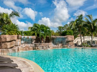 Luxurious Coach Home in Beautiful Treviso Bay