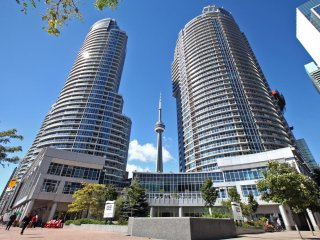 PRIME WATERFRONT LOCATION WITH AMAZING CN TOWER VIEW, NEXT TO UNION STATION