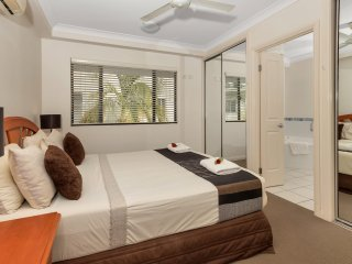 Oceansprey Beachfront Apartments - One Bedroom