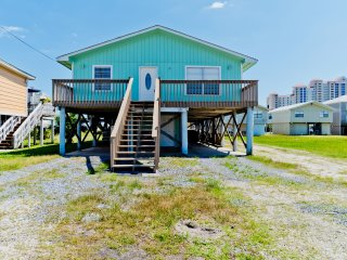 The Gulf's Secret South (Beach Side) / 2BR 1BA Duplex / 2 Blocks From The Beach!