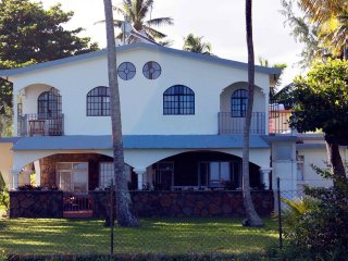 Beachfront Villa Karel, very attractive. 3 bedrooms with large Veranda
