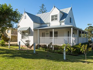Mermaid Cottage at Hyams Beach - 4pm Check Out Sundays