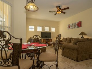 805THB. Lovely 5 Bedroom Pool Home In Tuscan Hills, Davenport FL