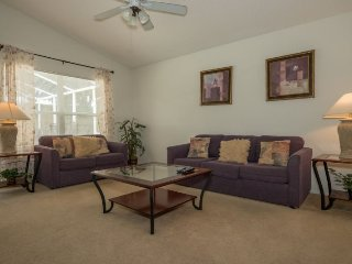 740BD. Lovely Hampton Lakes 4 Bed 3 Bath Pool Home In Davenport FL