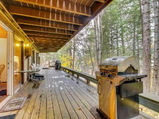 Lakeview condo with private deck, close beach access, skiing nearby