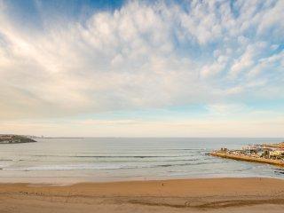 EL 20 ES LA CLAVE, Piso Enorme y Basico, 5 hab, vistas al mar, WIFI, para 8 pax