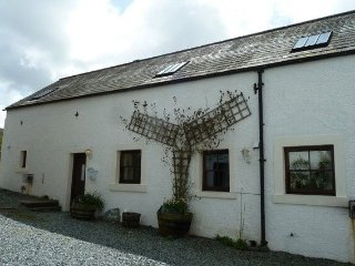 THE BYRE,WiFi,Beams,Off road parking.In Brandlingill.Ref 972482
