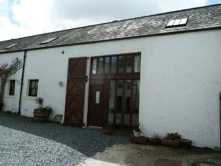 TITHE COTTAGE,WiFi,parking,In Brandlingill,Ref 972481