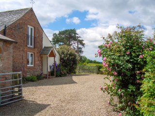 STOCKWELL HALL COTTAGE, Characterful, luxury cottage, lakeland cottage, WiFi, ga
