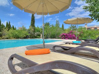 Stunning counrty villa, gated pool