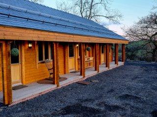 THE GATHERING - APPLE CABIN, open plan, en-suite, incredible views, Ref. 962690