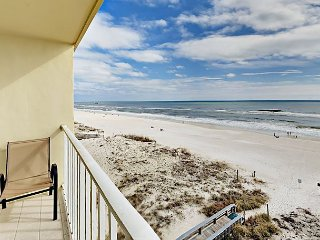 2BR Condo Steps to Beach & Pool — Stunning Gulf Views from the Balcony