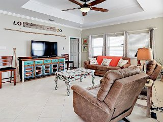 3BR, 2BA Port Aransas Condo in Safe Harbor Resort – Beach Just Blocks Away