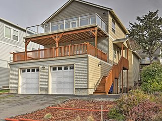 'Playa Del Happy' Coastal Home, Walk to Siletz Bay
