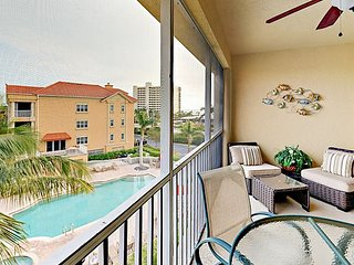 3BR at Bella Lago w/Shared Pool & Hot Tub, Steps to Ft. Myers Beach