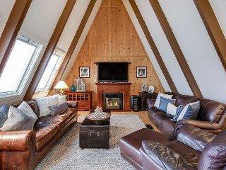 4BR Lake Lodge w/ Spacious Decks – Near Free Boat Ramp