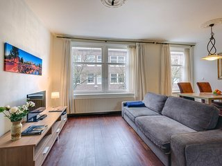 Centrally located apt. near Vondelpark
