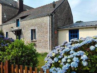Gîte en pierre Bretagne sud entre l'océan et Rochefort en Terre
