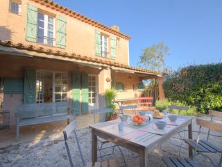 3 bedroom Villa in Saint-Tropez, Provence-Alpes-Côte d'Azur, France : ref 505174