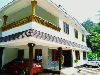 Home stay 100% homely feel with pleasant ,neat,calm and a mint climate Bedroom 6