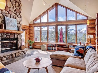 Panoramic Views-Blend of Classic Colorado and Contemporary-Shuttle Everywhere