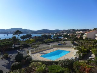 2 bedroom Apartment in Agay, Provence-Alpes-Côte d'Azur, France : ref 5699606