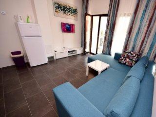 2 bedroom Apartment in Postira, Splitsko-Dalmatinska Zupanija, Croatia : ref 553