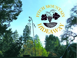 Fitch Mountain Getaway- Serenity Minutes from Downtown Healdsburg