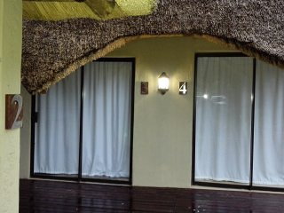 Chobe sunset chalets Bedroom 6, holiday rental in Botswana