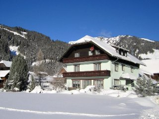 Lehen Apartment Sleeps 4 with WiFi - 5416327