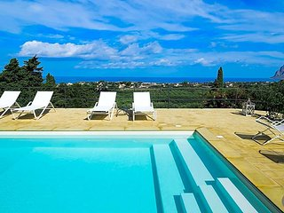 Paparella Villa Sleeps 5 with Pool and Air Con - 5575183