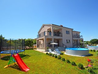 2 bedroom Apartment in Ližnjan, Istarska Županija, Croatia - 5029871