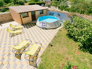 3 bedroom Villa with Pool, Air Con, WiFi and Walk to Shops - 5031454