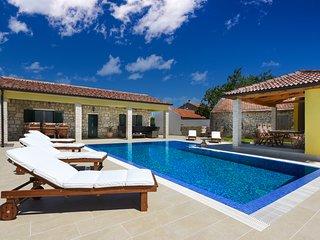Villa Petra ****